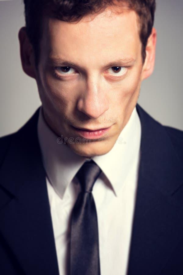 Jeune homme d'affaires bel photo libre de droits