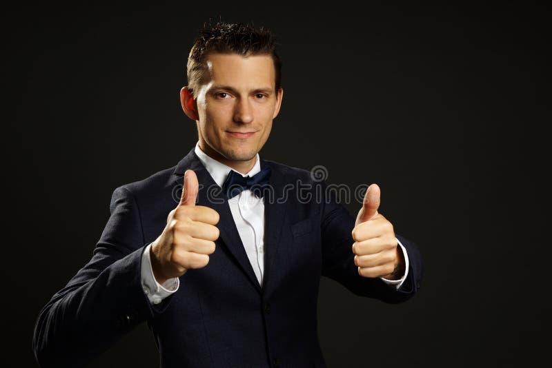 Jeune homme d'affaires dans le costume photos libres de droits