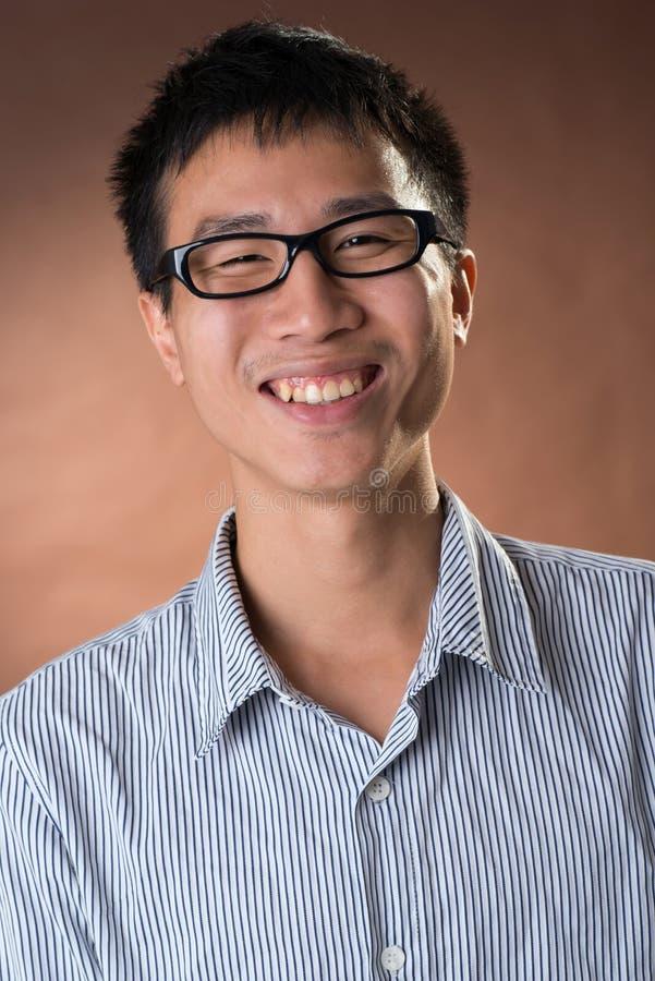Jeune homme d'affaires franc chinois photos libres de droits