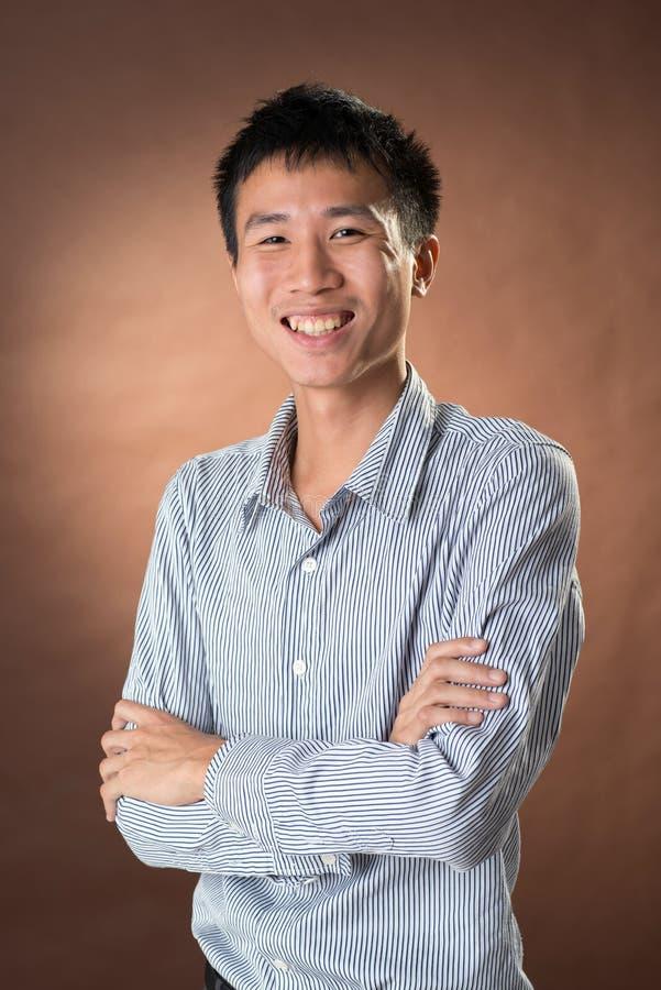 Jeune homme d'affaires franc chinois image libre de droits