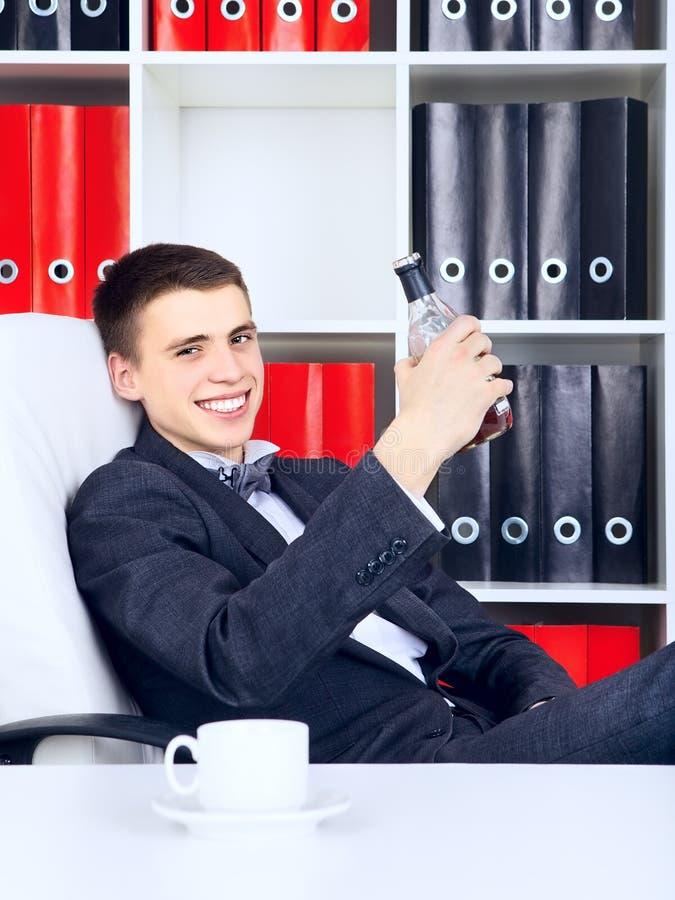 Jeune homme d'affaires Triumph photos stock