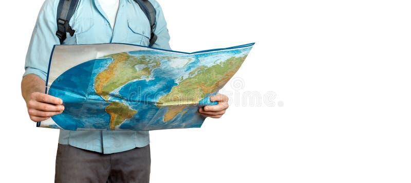 Jeune homme de voyageur avec la carte l'explorant de sac à dos Hausse du concept de voyage de tourisme photo stock