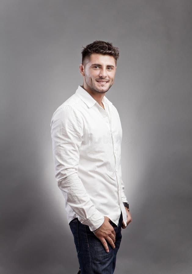 Jeune homme gai photos stock