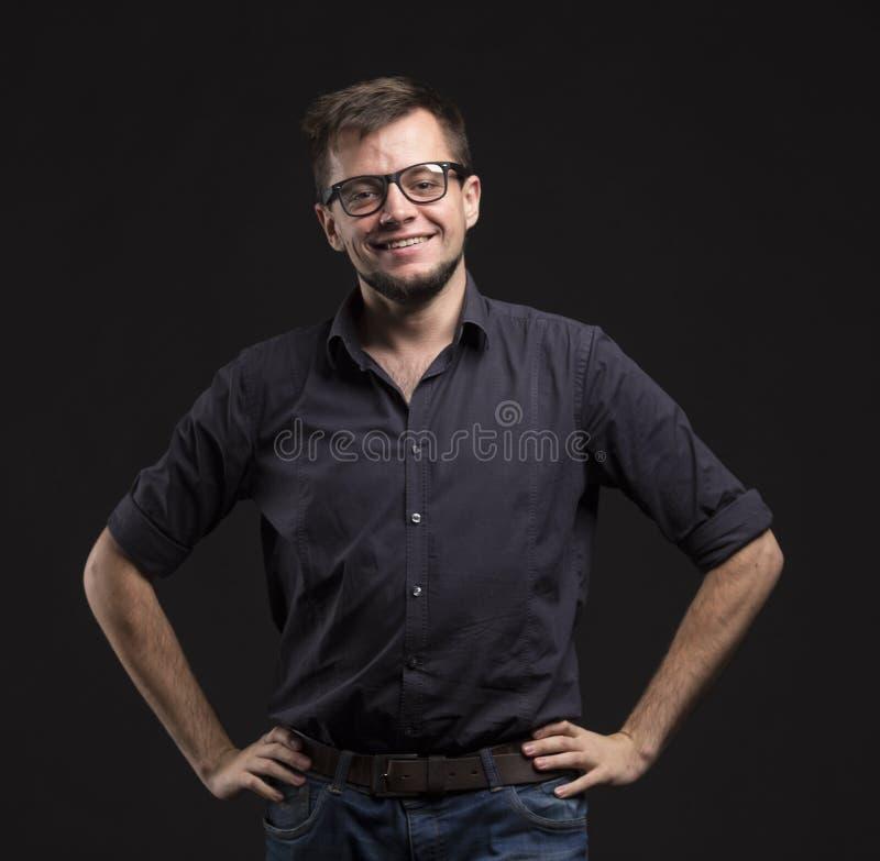 Jeune homme heureux image stock
