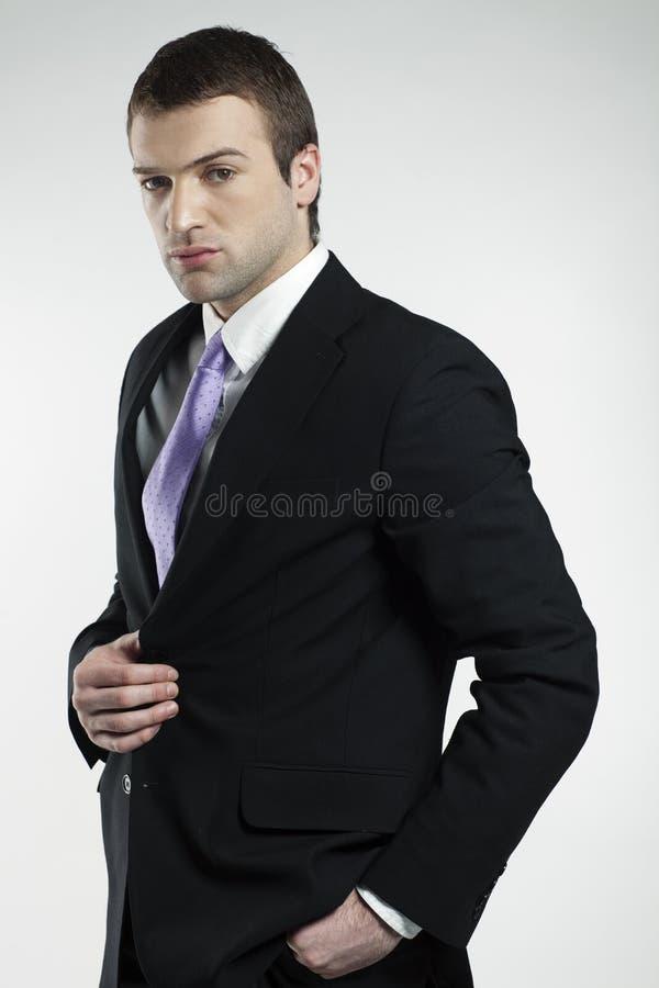 Jeune homme masculin confiant image stock