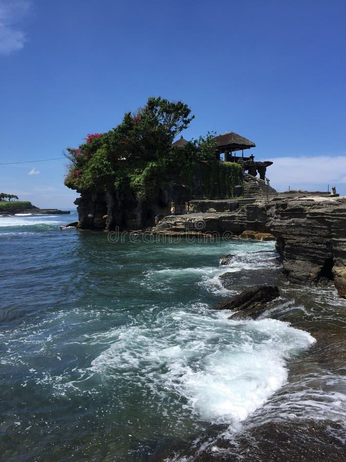 Jeune homme rêveur dans Bali images stock