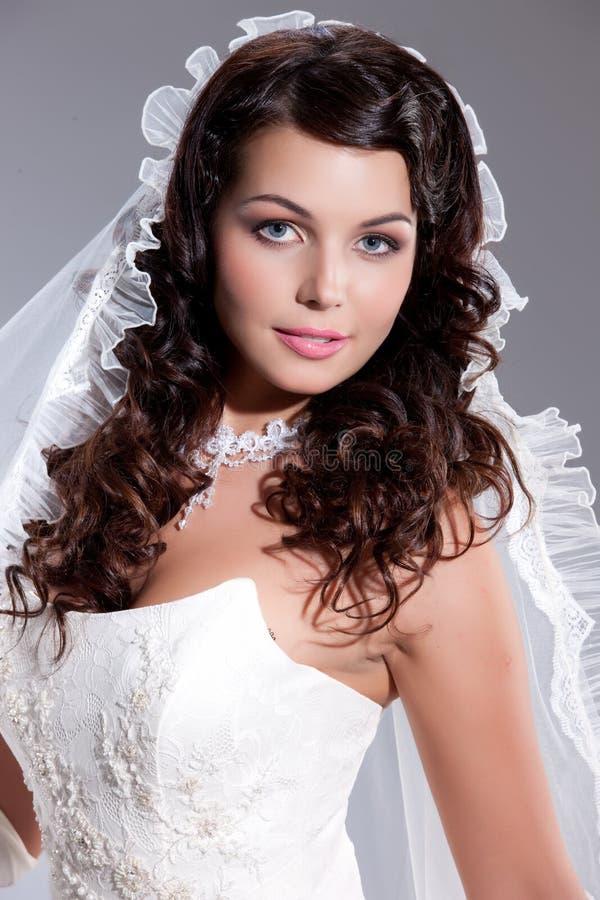Jeune jeune mariée image libre de droits