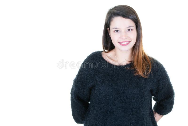 Jeune joli portrait de Headshot de femme dans l'espace blanc de fond et de copie photo stock