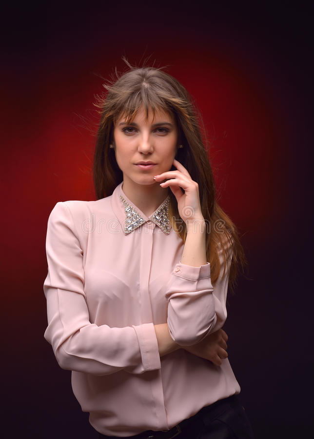 Jeune jolie verticale de femme image stock