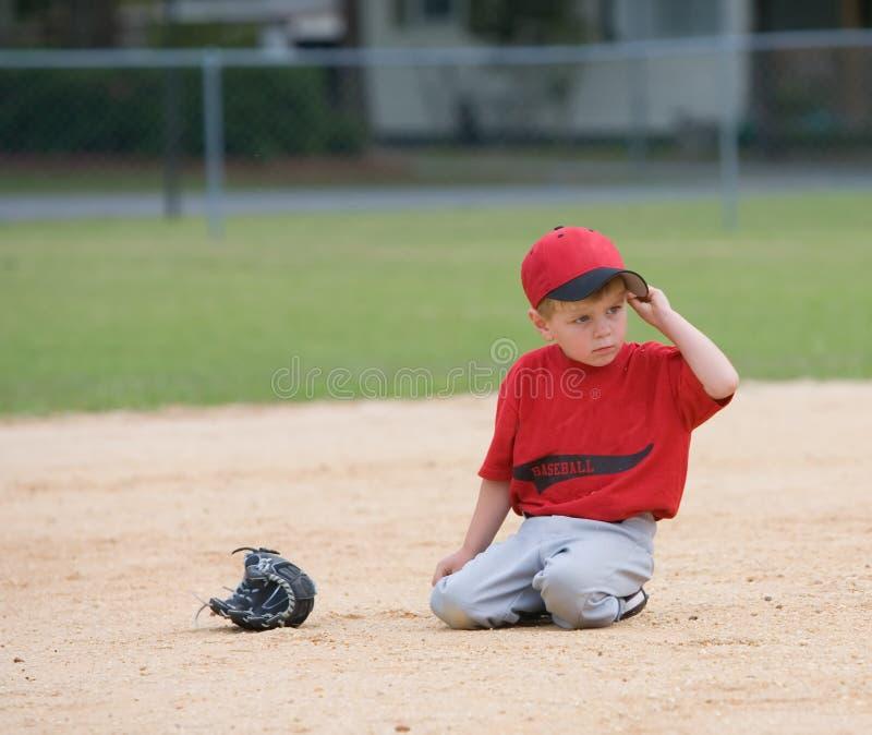 Jeune joueur de petite ligue images libres de droits