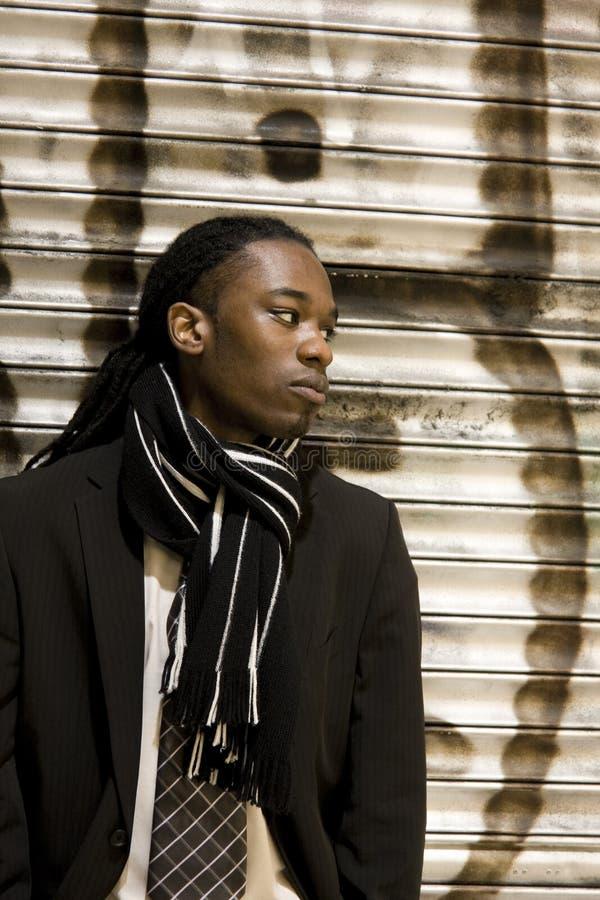 Jeune mâle urbain d'Afro-américain photographie stock