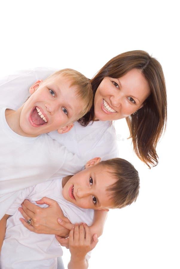 Jeune mère avec des enfants image stock