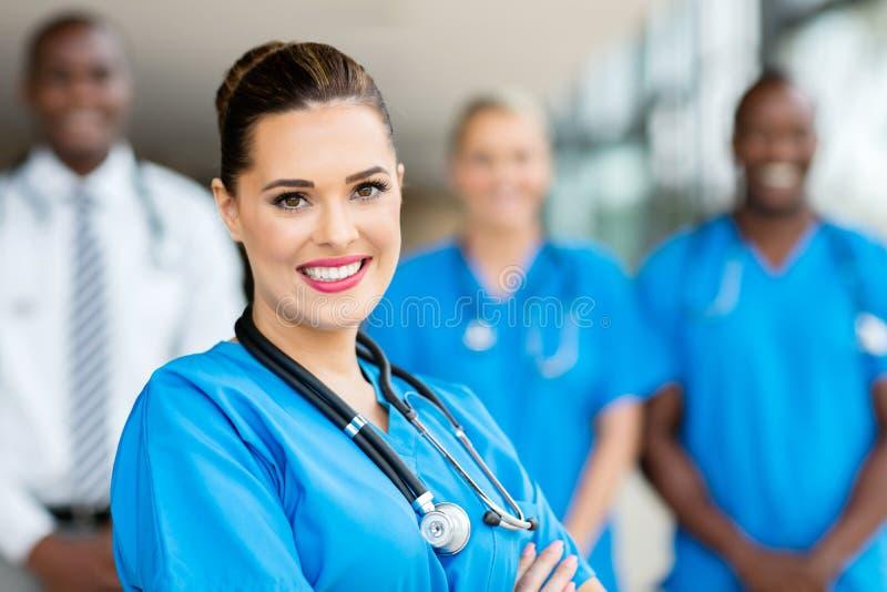 Jeune médecin images stock