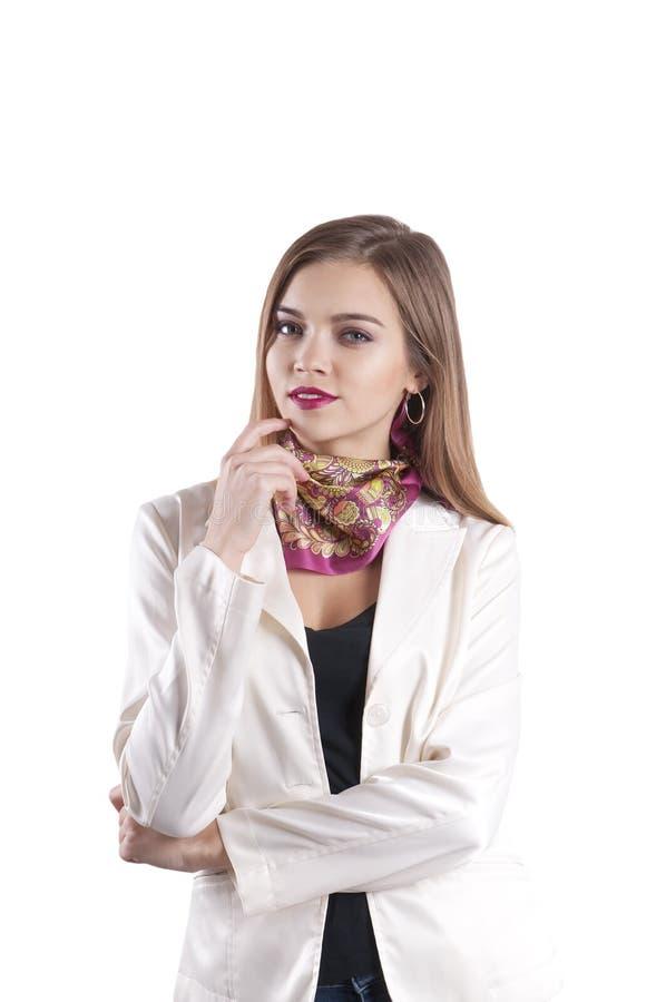 Jeune main de femme d'affaires près du visage d'isolement images stock