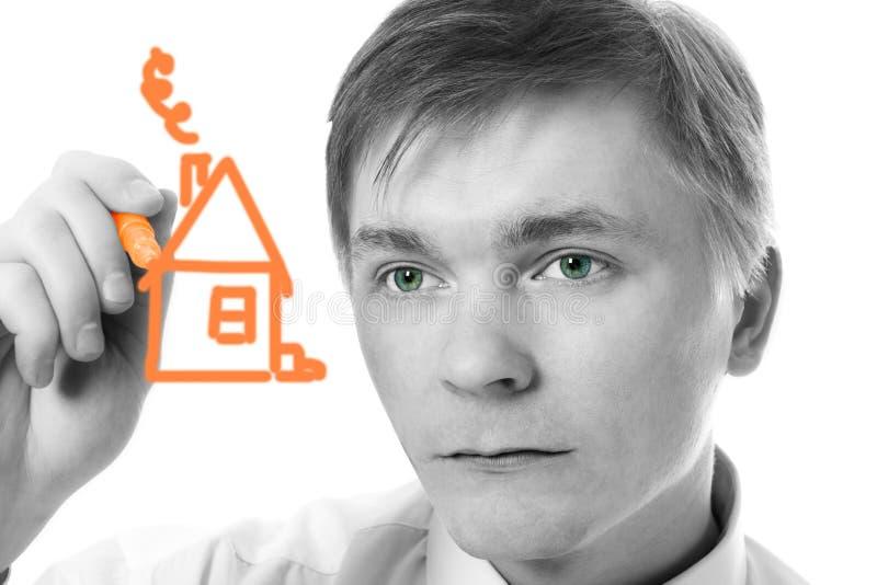 Jeune maison de repère de conception d'homme d'affaires photos libres de droits