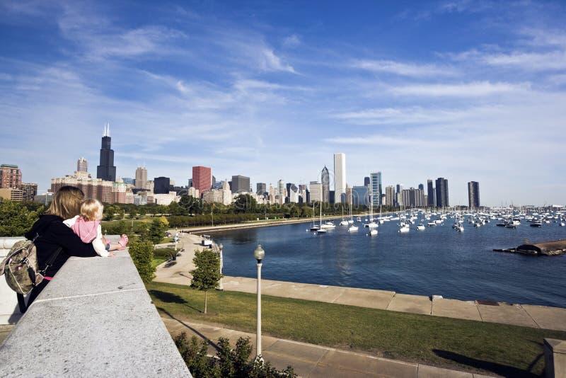 Jeune maman avec le dauther Chicago photos libres de droits