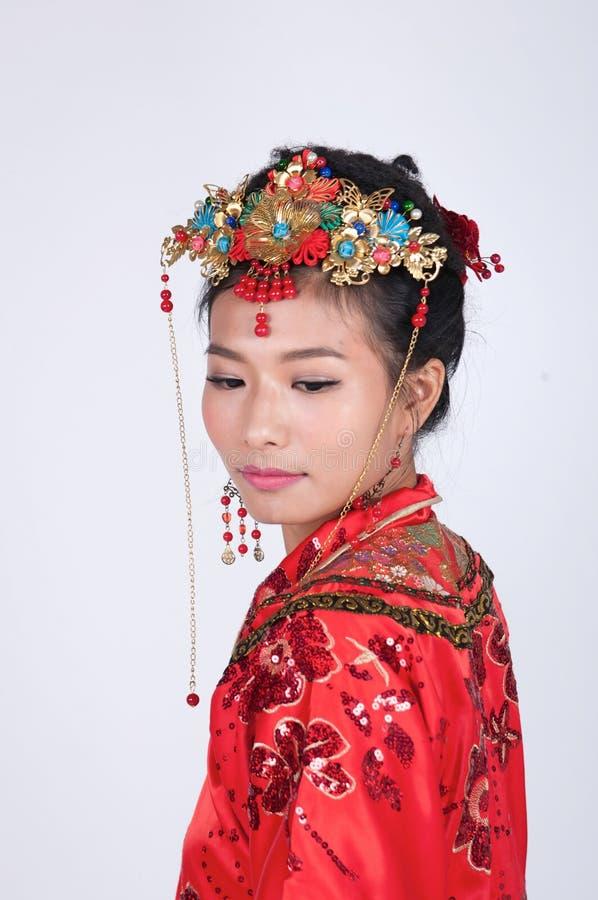 Jeune mariée chinoise triste photographie stock