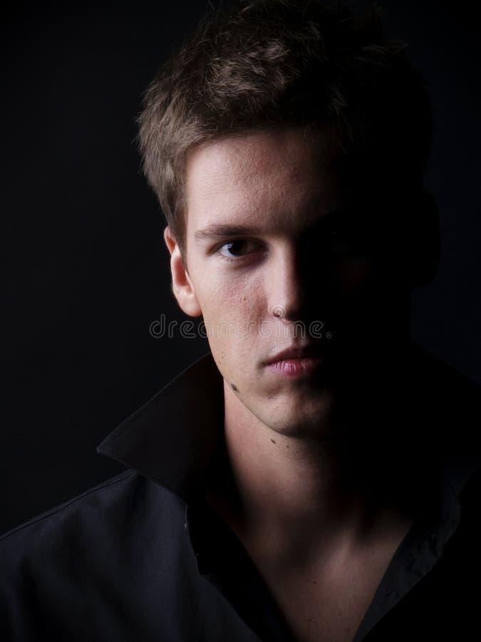 Jeune modèle mâle beau images libres de droits