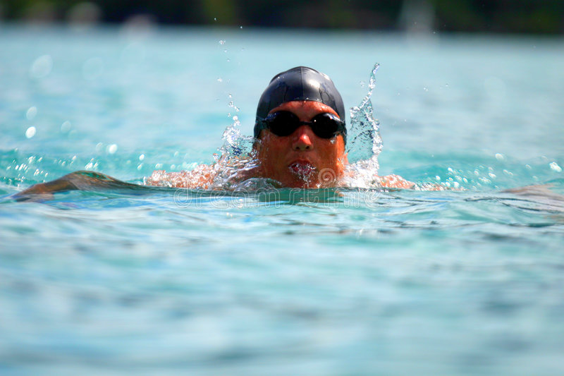 Jeune nageur photographie stock libre de droits
