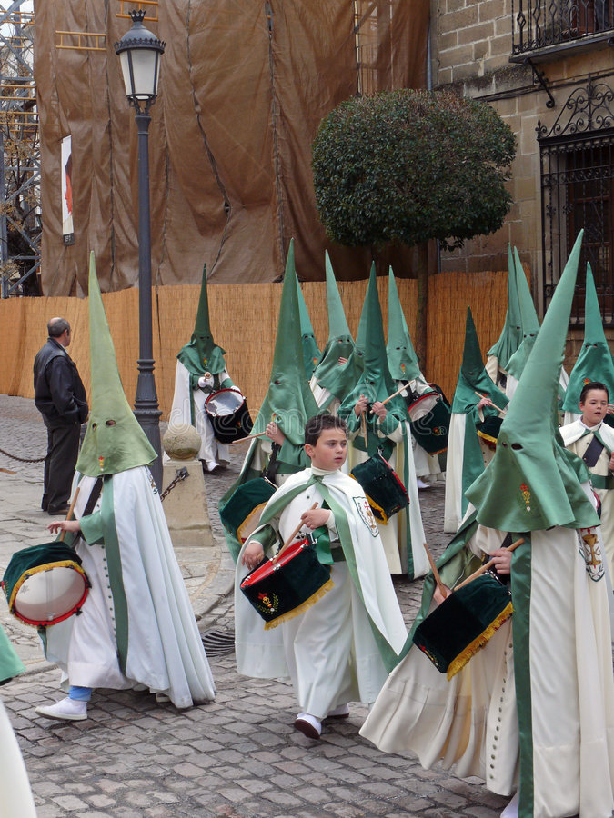 Jeune Nazarenos chez Pâques p photographie stock libre de droits