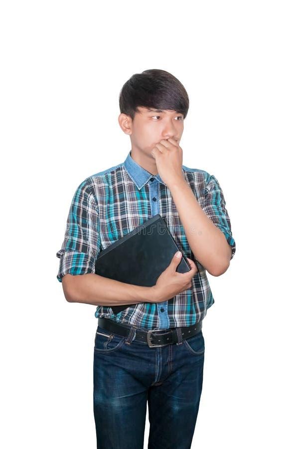 Jeune ordinateur portable de prise d'homme d'affaires ? la strat?gie de pens?e d'id?es fonctionnant sur le fond blanc images stock