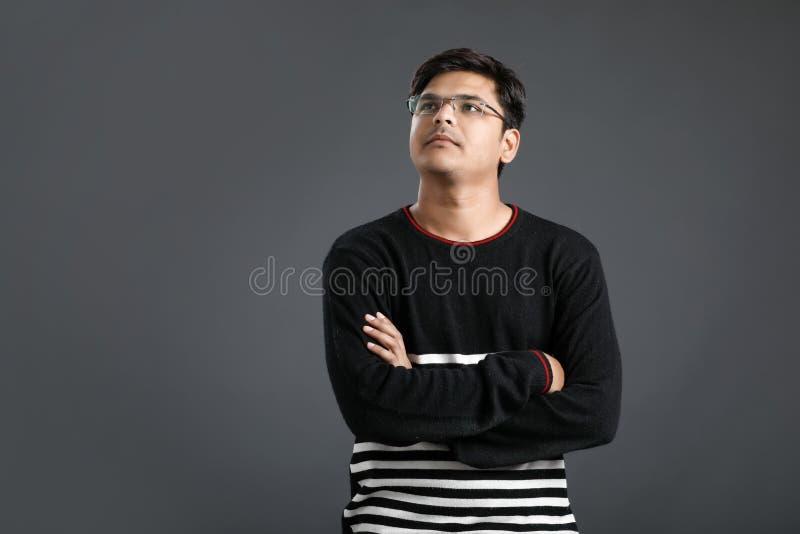 Jeune penser indien d'homme photos libres de droits