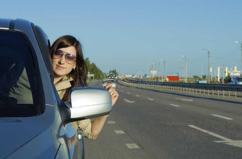 Jeune piloter heureux de brunette images libres de droits