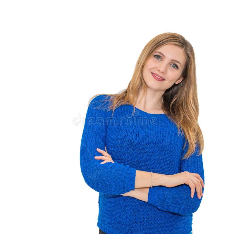 Jeune portrait attrayant de sourire de femme photo stock