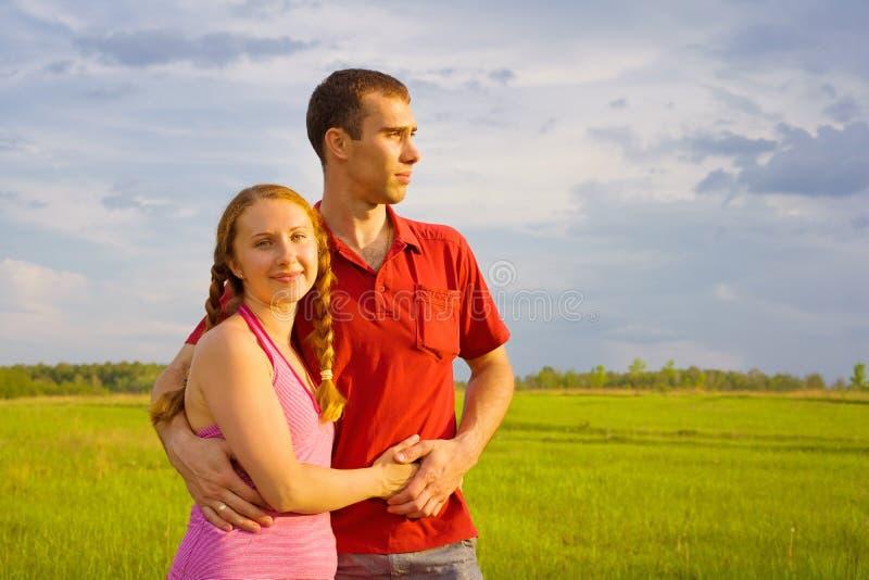 Jeune rêver de couples photos stock