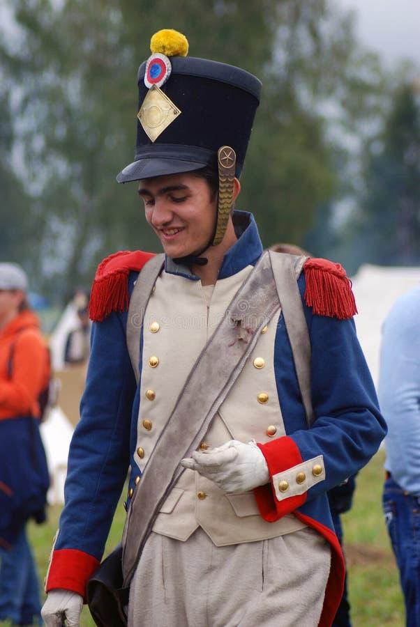 Jeune reenactor à la reconstitution historique de bataille de Borodino en Russie image stock