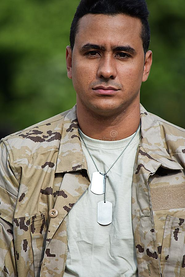 Jeune soldat impassible photo stock
