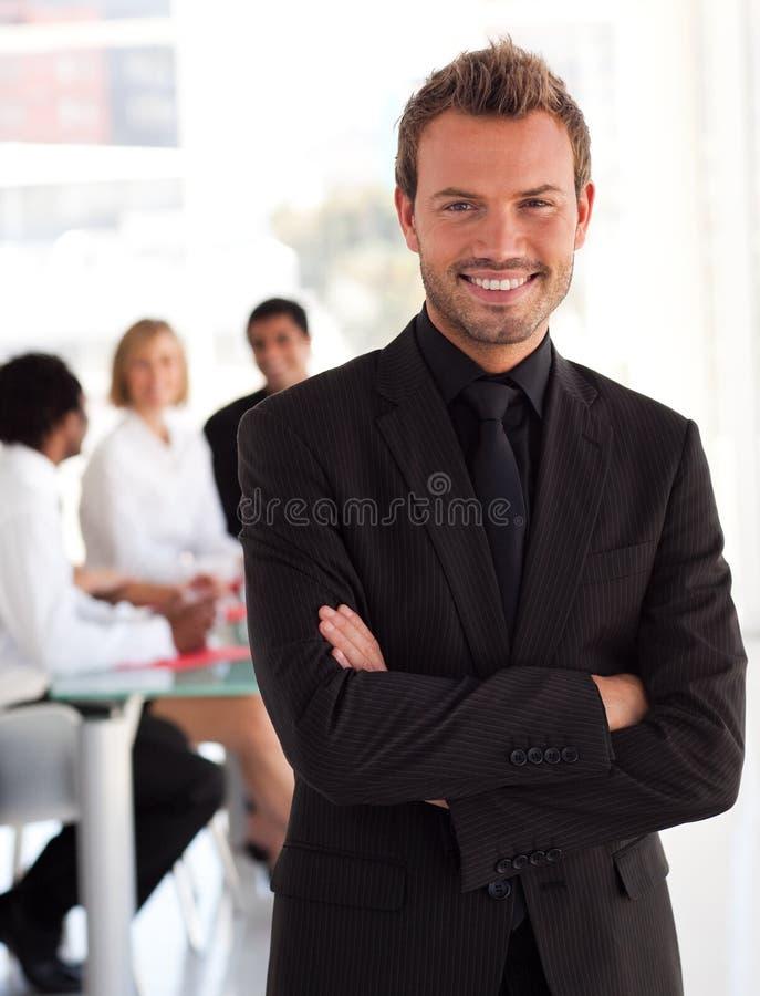 Jeune sourire d'entrepreneur photos stock