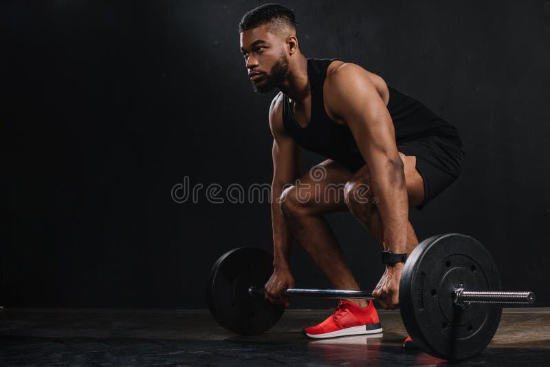 jeune sportif musculaire d'afro-américain image libre de droits