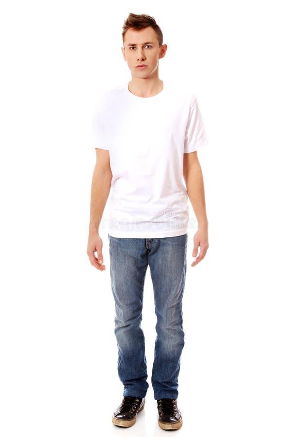 Jeune type dans le T-shirt blanc photos libres de droits