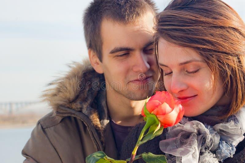 Jeune type et la fille photographie stock libre de droits