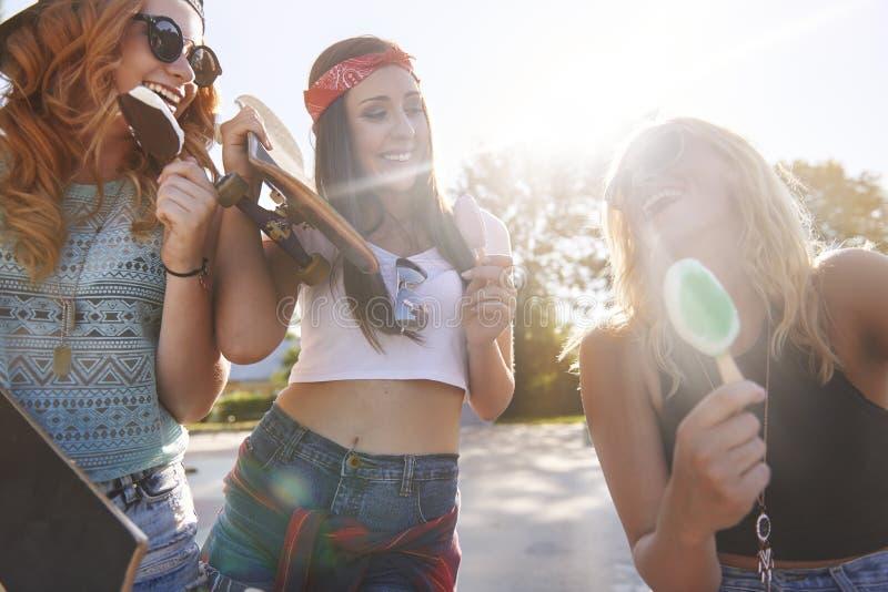 Jeunes adultes photos libres de droits