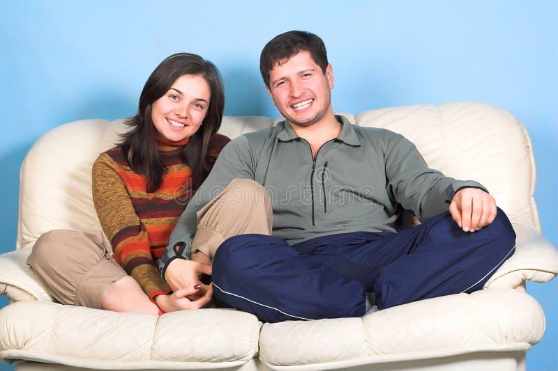 Jeunes couples photo stock