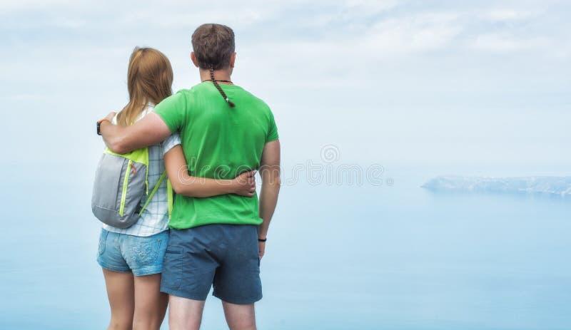 Jeunes couples actifs photo libre de droits