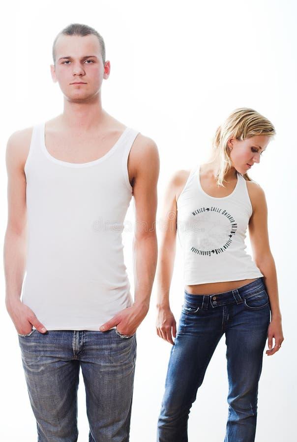 Jeunes couples affectueux, beau et heureux. image libre de droits
