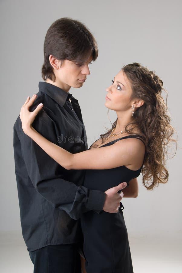 Jeunes couples amoureux heureux photo stock