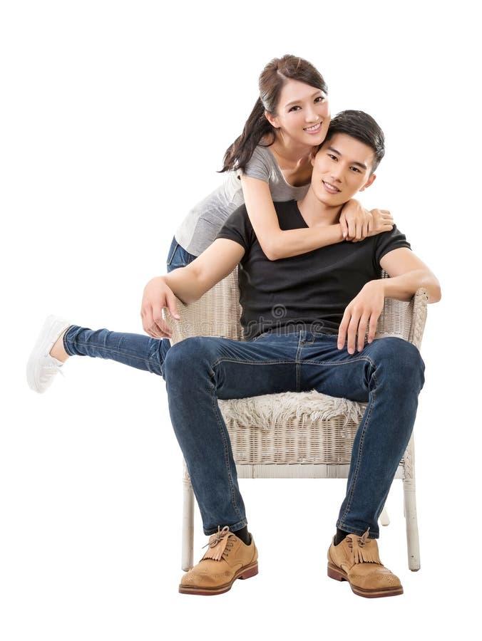 Jeunes couples asiatiques attrayants image libre de droits