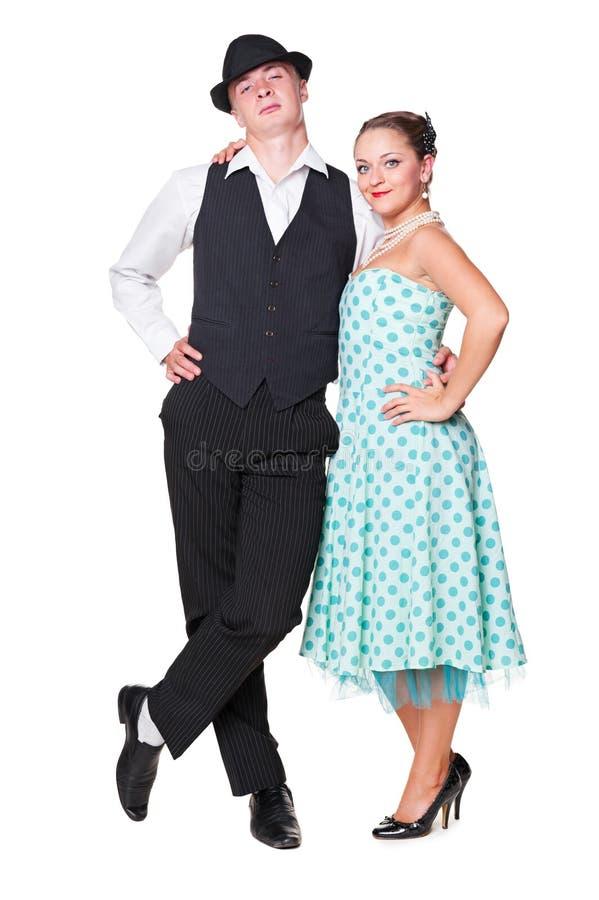 Jeunes couples dans l'amour. rétro type 60s images stock