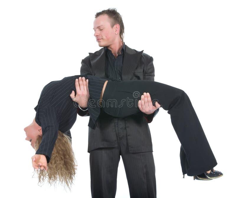 Jeunes couples dans la robe noire photo libre de droits