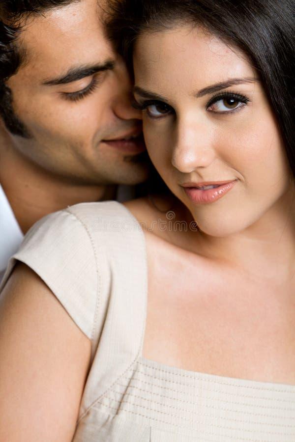 Jeunes couples ethniques photo stock