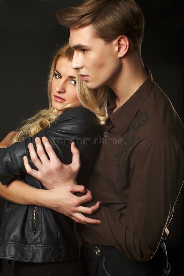 Jeunes couples sexy images stock