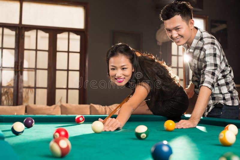 Jeunes couples vietnamiens photographie stock