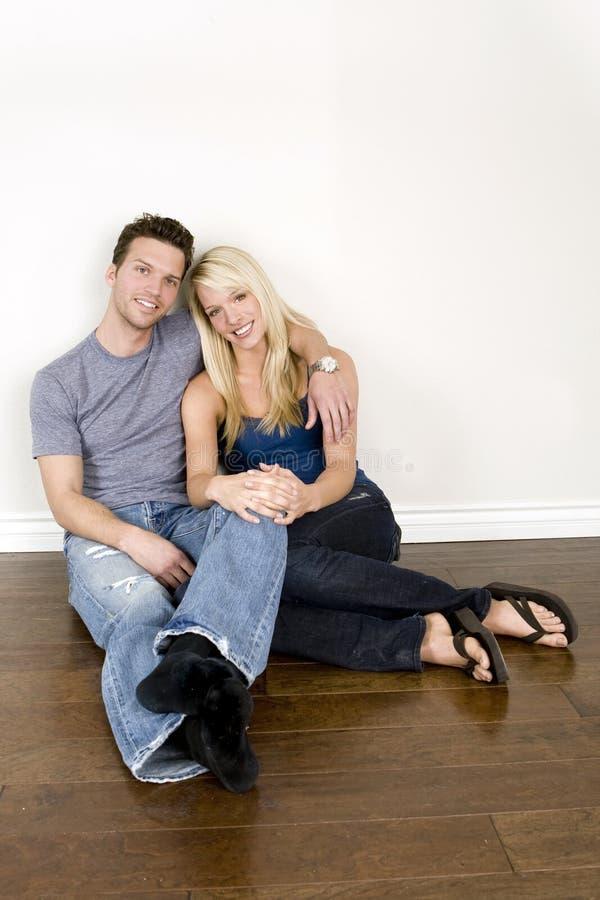 jeunes de couples photo libre de droits