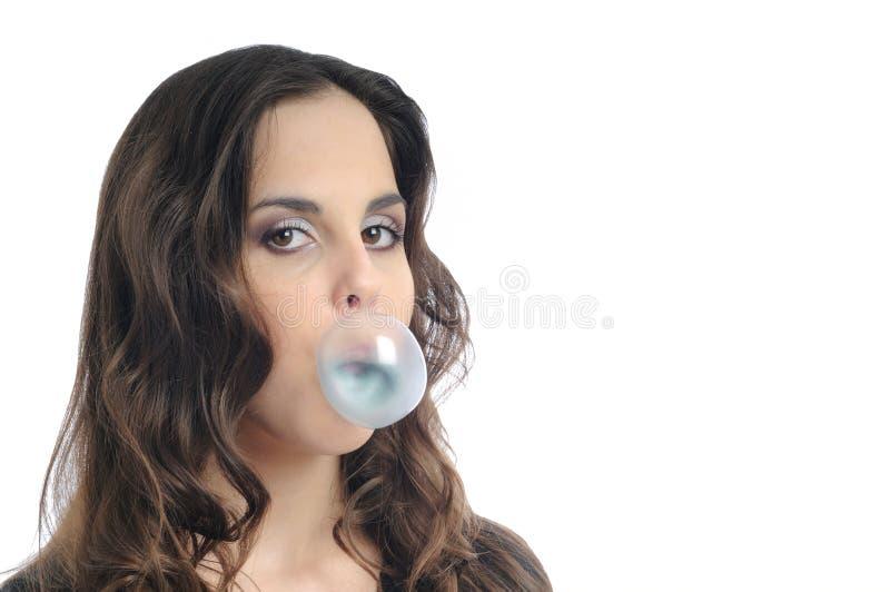 jeunes de femme de chewing-gum photos stock