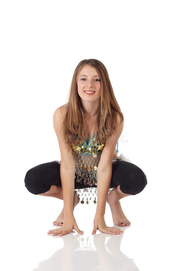 jeunes de fille de danse de ventre photo stock