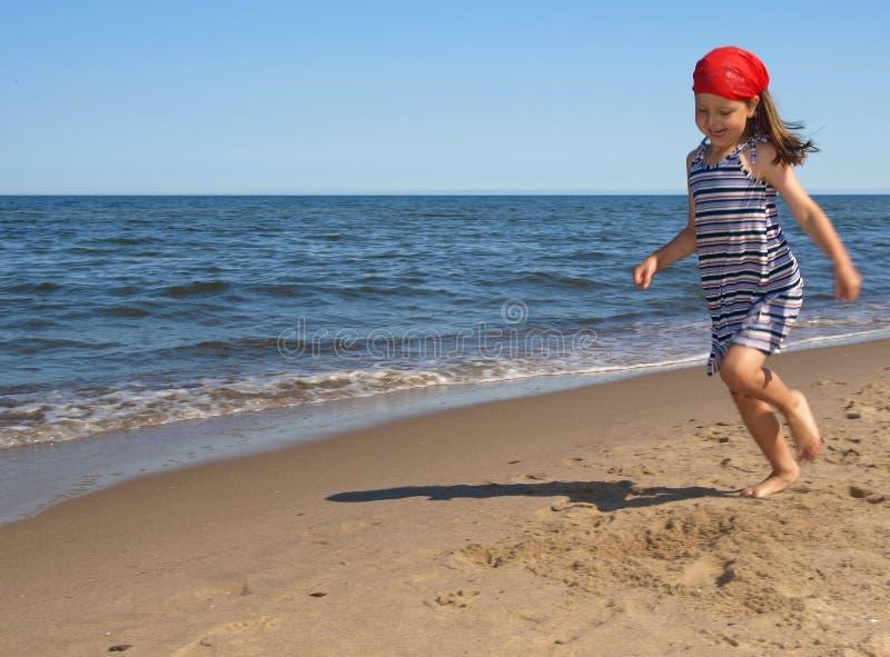jeunes de fille de plage photo stock